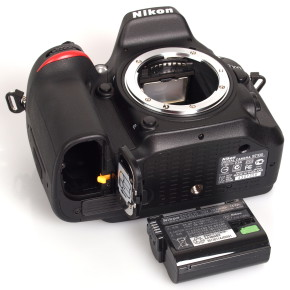 Профессиональная фотокамера Nikon D7100 – стильная и качественная новинка